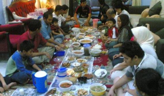 16 Kesalahan Muslim pada Bulan Ramadhan, No. 2 dan 12 Sering Kita Lihat