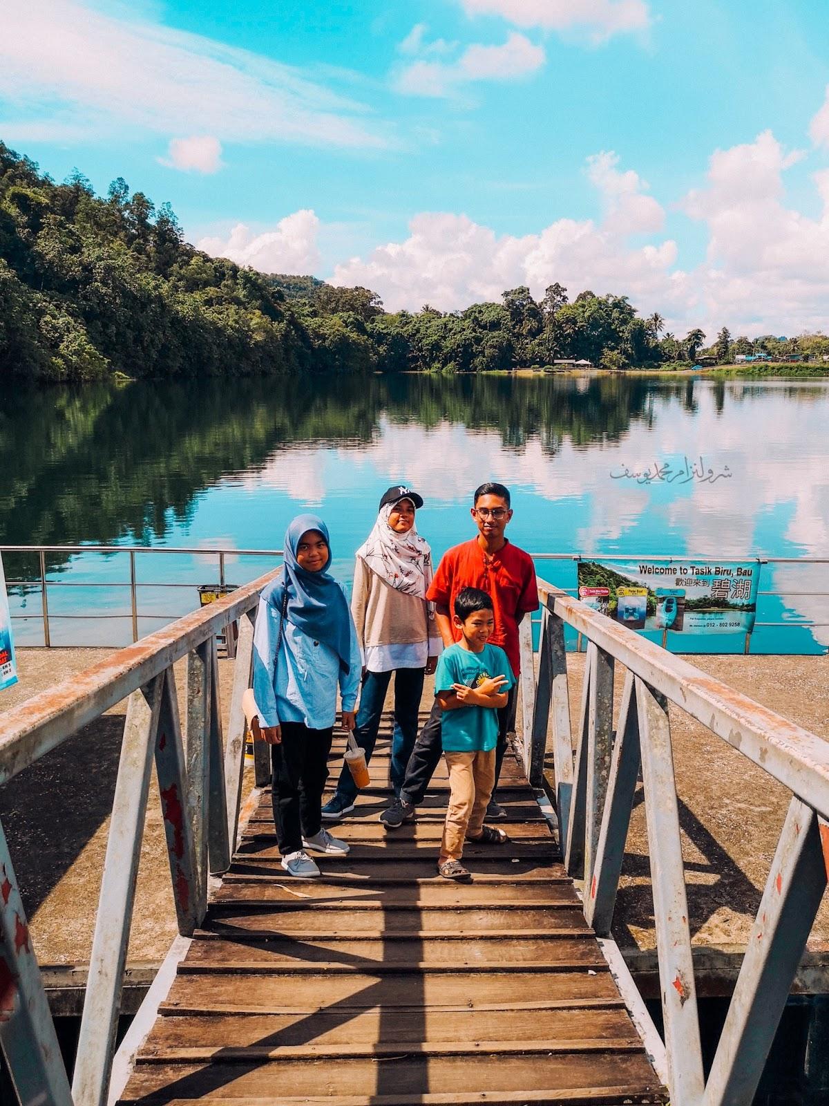 Tasik Biru Bau, Sarawak - kids