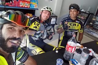 http://vnoticia.com.br/noticia/3579-apos-morte-de-ciclista-amigo-que-pedalava-junto-conta-como-foi-acidente