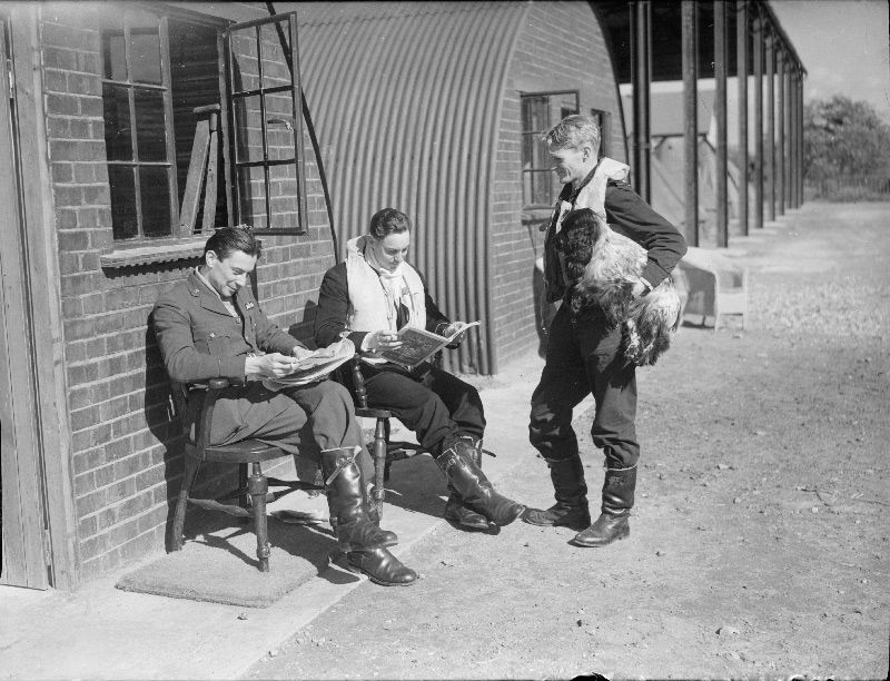 19 September 1940 worldwartwo.filminspector.com RAF pilots Duxford
