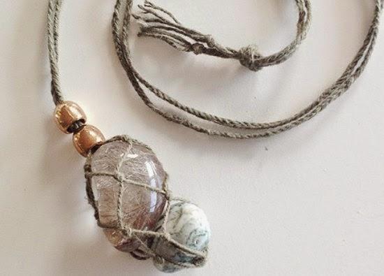 Colgante de macrame para sujetar piedras preciosas - Colgantes de macrame ...