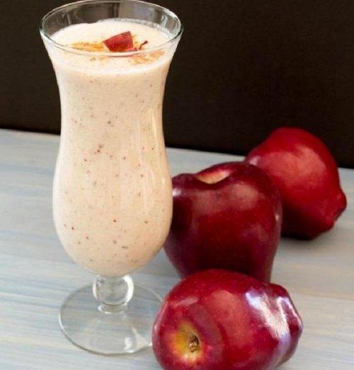 Boisson aux pomme, cannelle et amandes