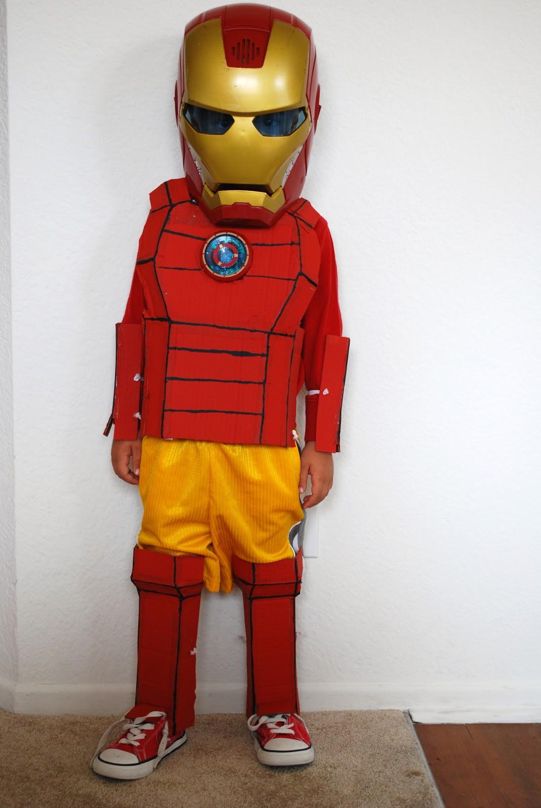 DIY Iron Man costume & Sunshine and a Summer Breeze: DIY Iron Man costume