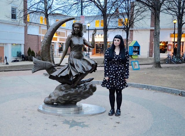 The Salem Witch Walk statue