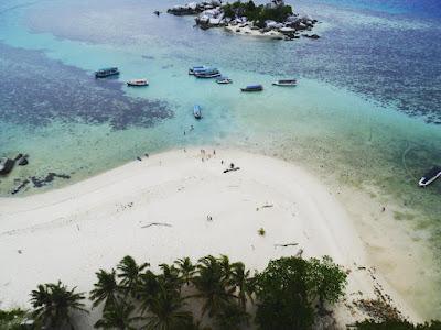 foto pemandangan pulau lengkuas