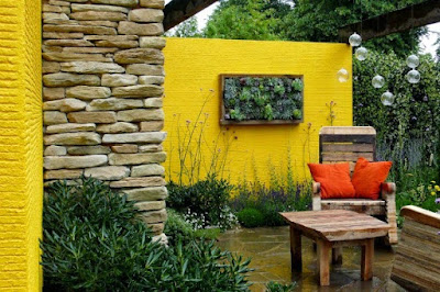 Yellow Color for Terrace Wall Design Ideas