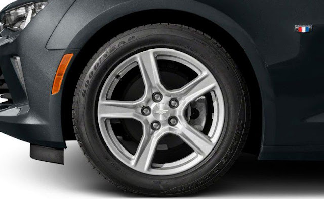 chevy-camaro-2016-goodyear-front-tire-and-rim