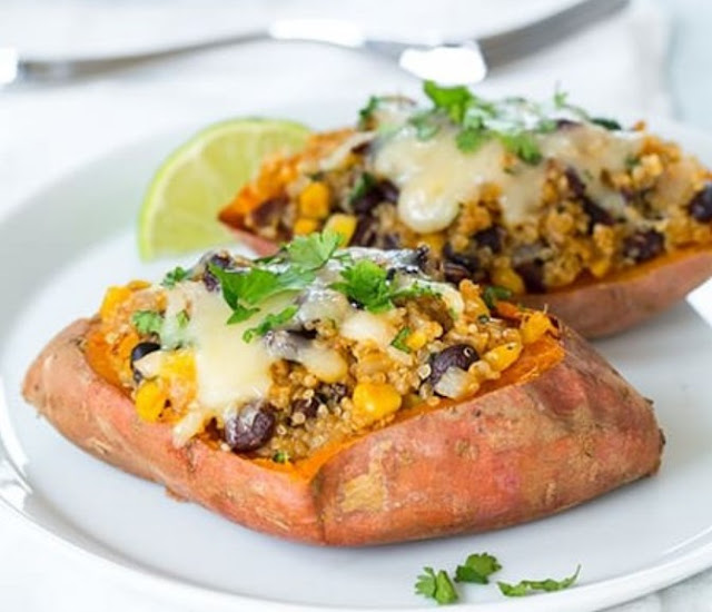 Mexican Quinoa Stuffed Sweet Potatoes #vegan #healthy