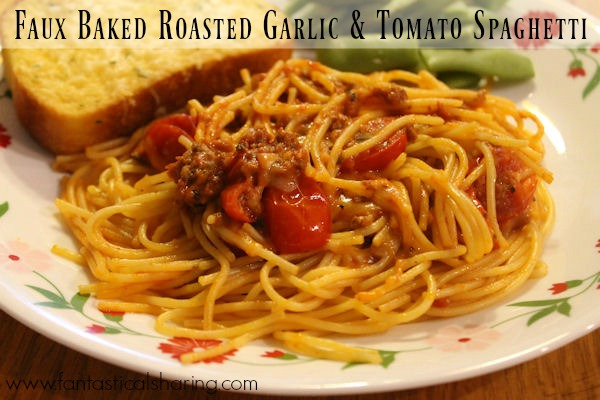 Faux Baked Roasted Garlic and Tomato Spaghetti // Rich and hearty RAGU turns this baked spaghetti into a wonderful homestyle meal #recipe #ad #spaghetti