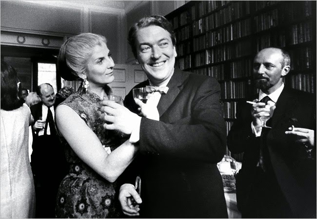 Kingsley Amis y Elizabeth Jane Howard. 1965