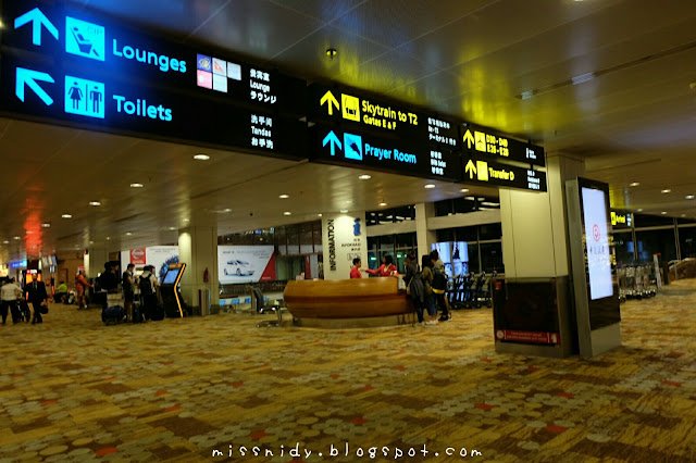 menginap di changi airport
