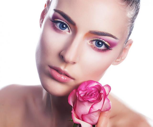 Rejuvenecer la piel con aceite de rosas