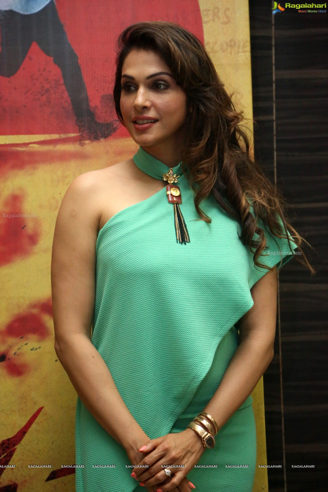 Isha koppikar galleries 84