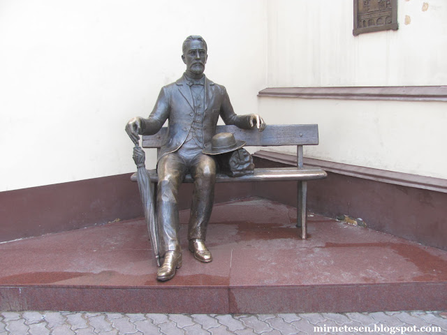 Что посмотреть в Улан-Удэ - памятник Чехову на Арбате