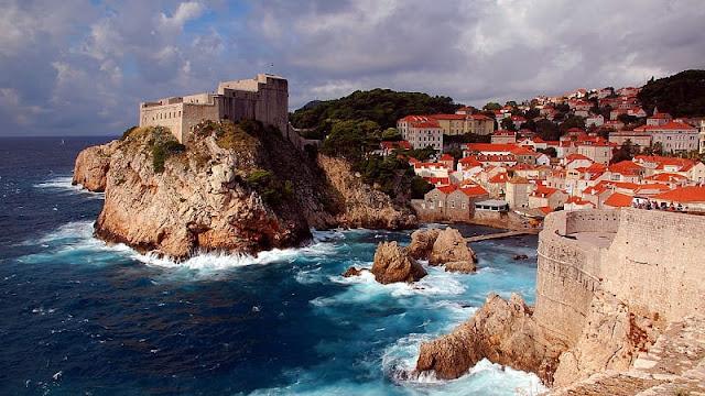 pemandangan Dubrovnik yang tua dan menarik membuatnya menjadi lokasi syuting game of thrones sebagai king's landing