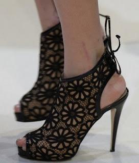 acik-topuklu-ayakkabi-moda