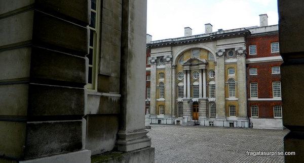 Pátio interno do Royal Naval College (Escola Real de Marinha)