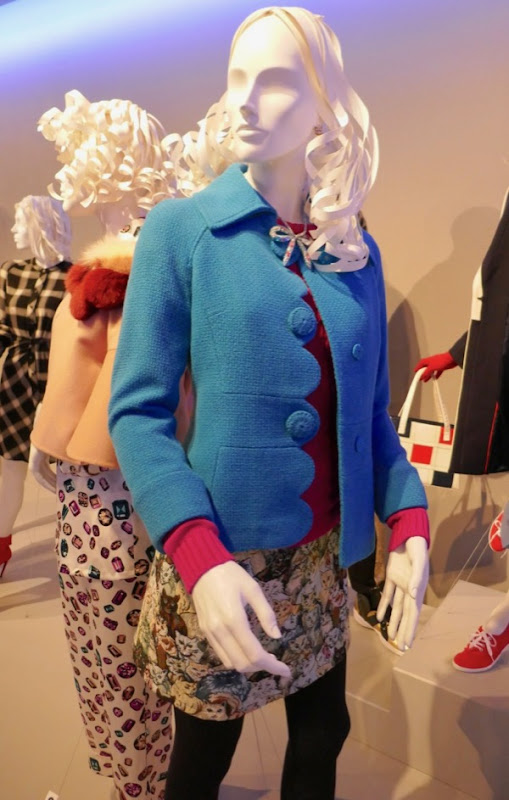 Unbreakable Kimmy Schmidt Ellie Kemper season 4 costume