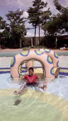 kolam anak anak