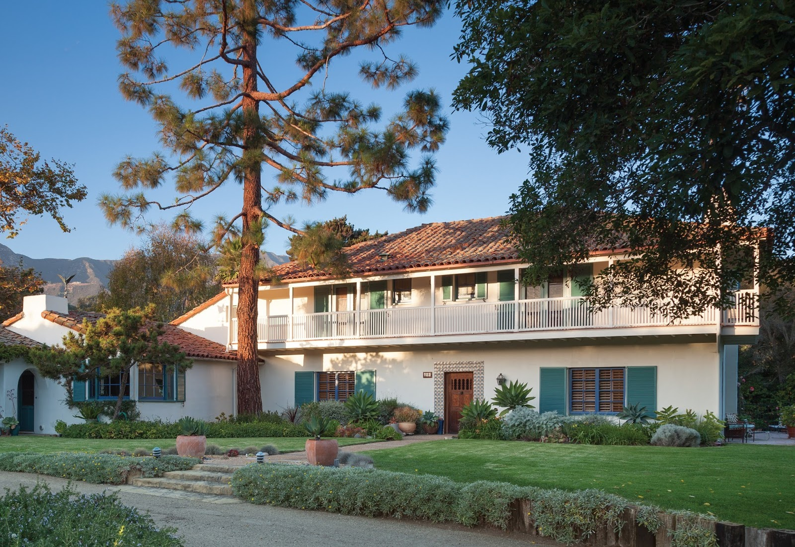 Montecito lifestyle spanish colonial style santa barbara for Barbara house