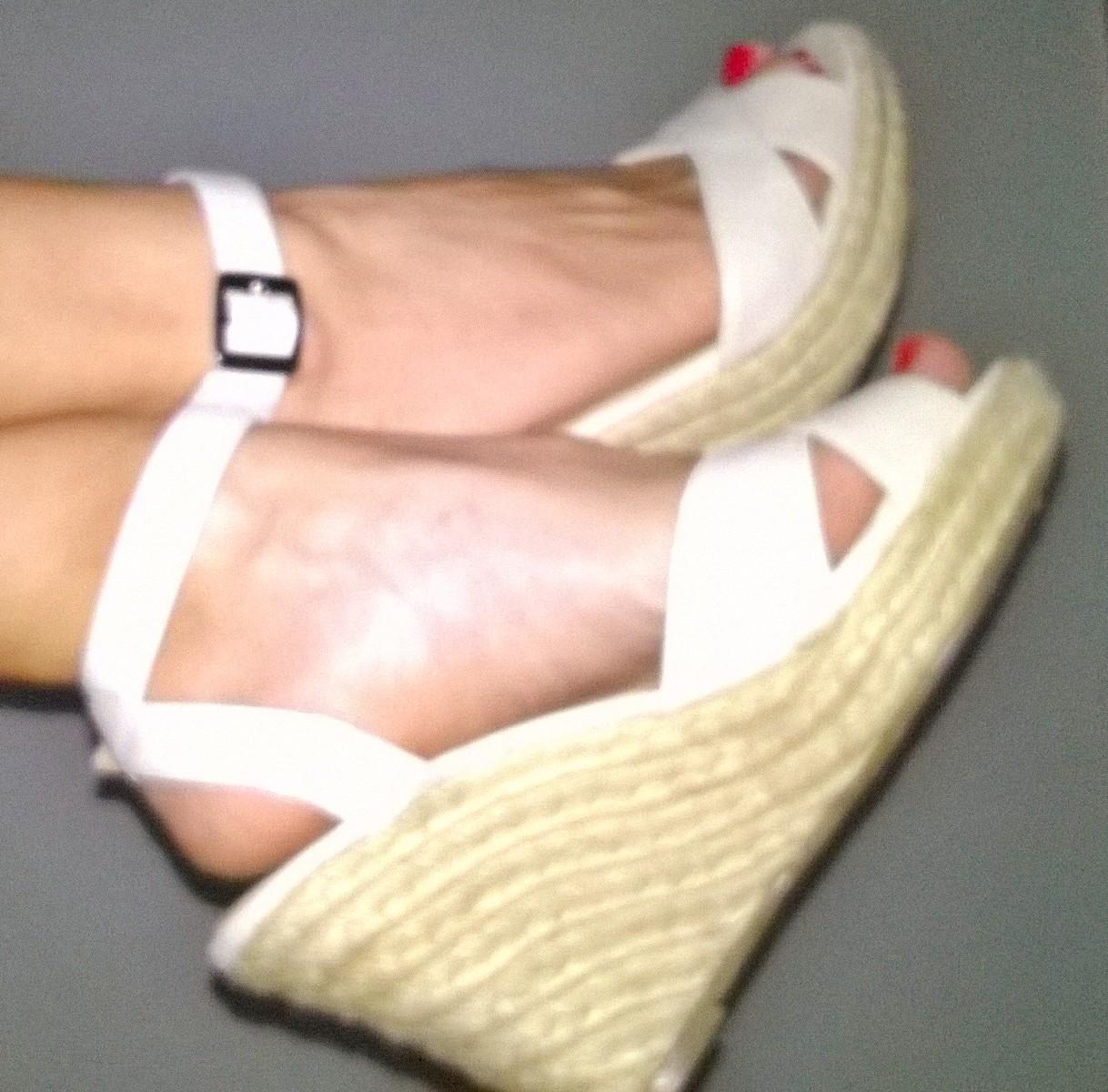 sports shoes fd057 a3bbf Ele4style: Sandali con zeppa P/E 2015