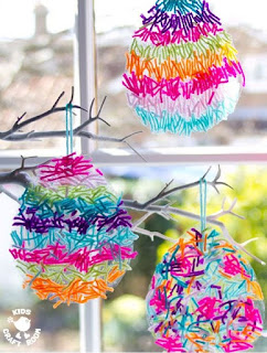 Textured Yarn Easter Suncatcher