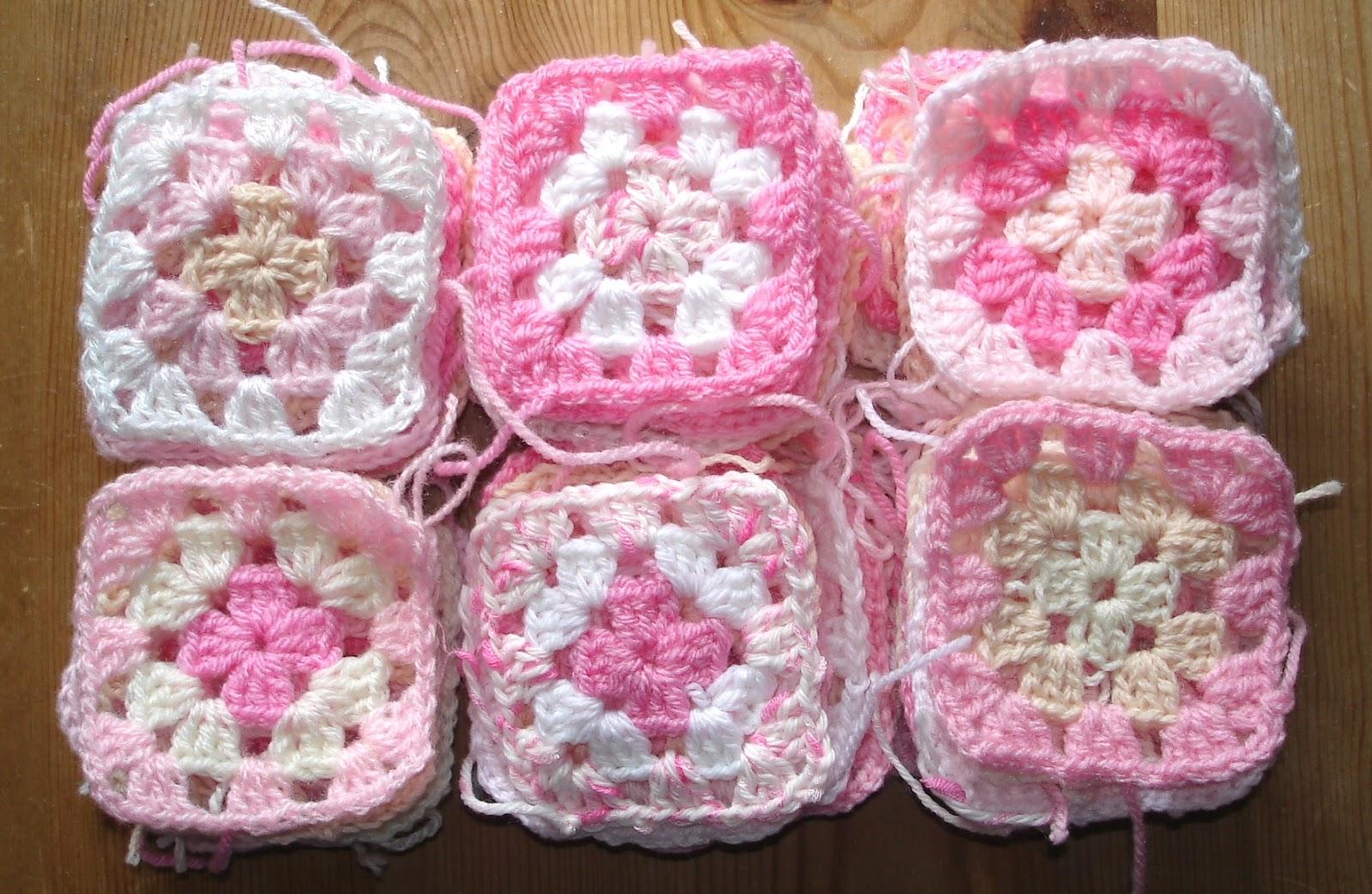 Marianna\'s Lazy Daisy Days: Pastel Pink Granny Square Blanket