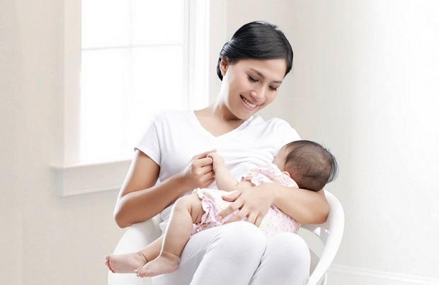 تعديلات غذائية ضرورية للأم خلال الرضاعة
