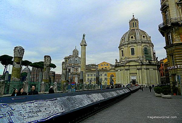 Basílica do Santíssimo Nome de Maria   e a Coluna de Trajano, no Fórum