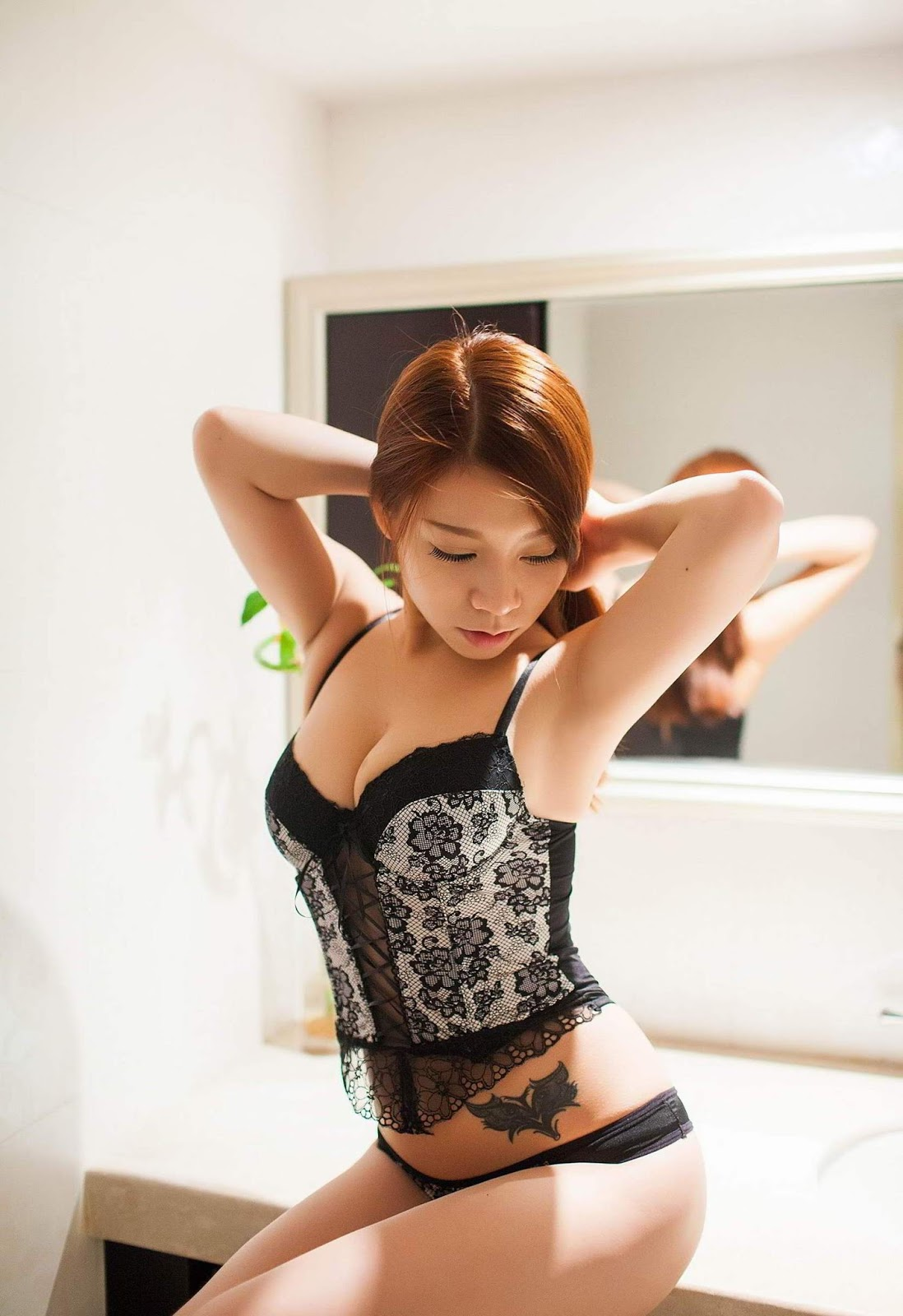 Asian Cute & Excited Body's Model Jia Baobier 嘉宝贝儿 Hot Lingerie Special