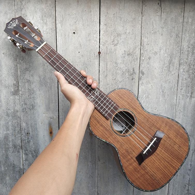 Music Kami Ukulele