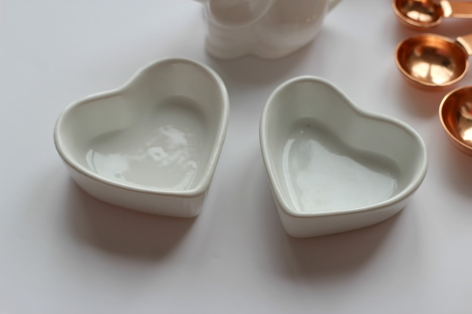 heart-shaped-dishes