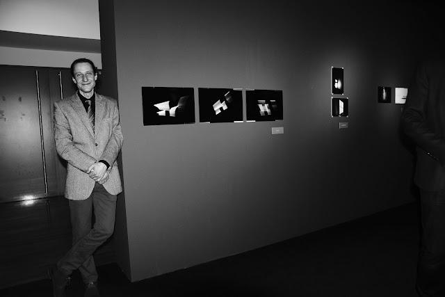 Fotografia odklejona w Centrum Sztuki Współczesnej w Toruniu. Wystawa fotografii. Wernisaż. CSW.