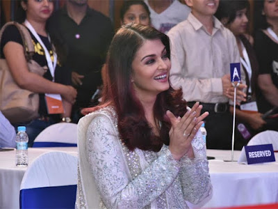 Aishwarya-Rai-Bachchan-@-smile-train-india-event-photos1222233