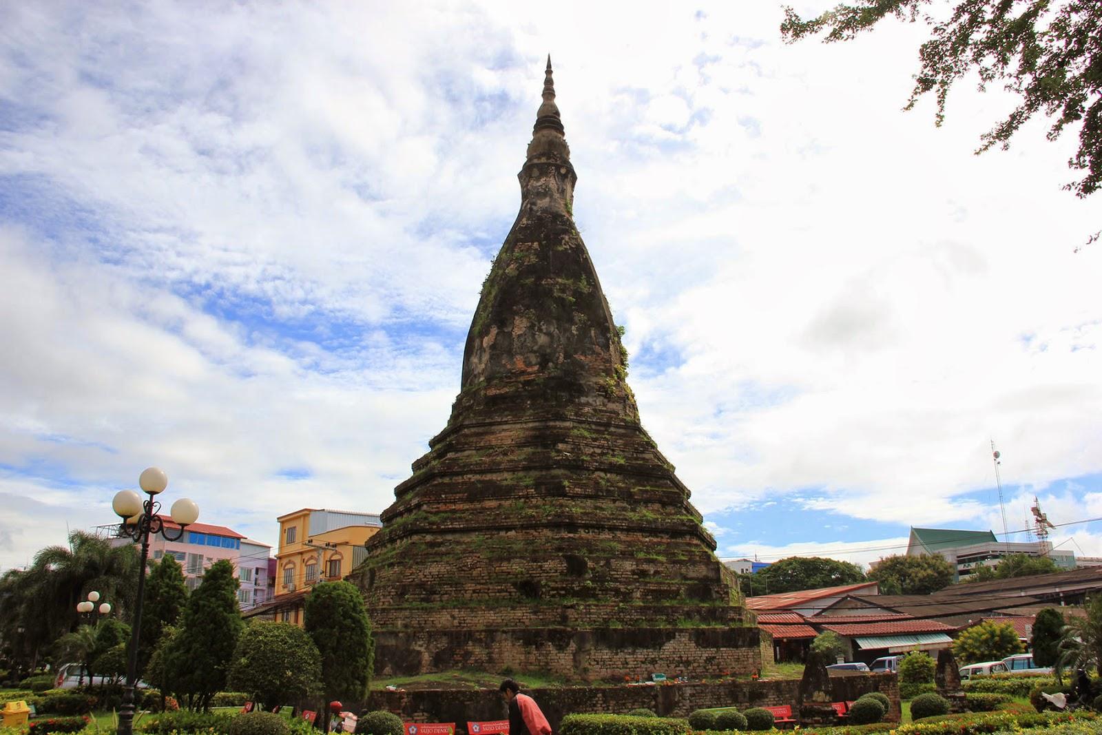 That Dam Black Stupa - Vientiane - Laos