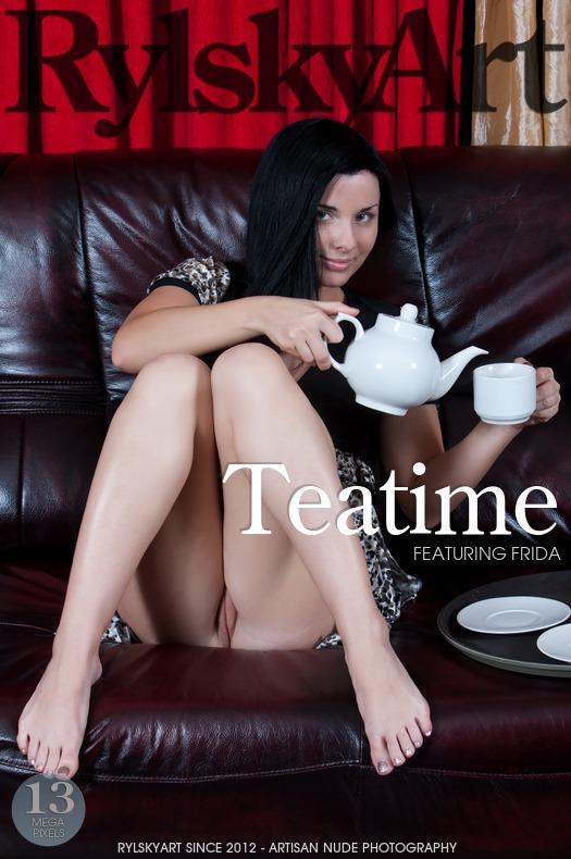 RirrlskyAra 2013-02-20 Frida - Teatime 09270