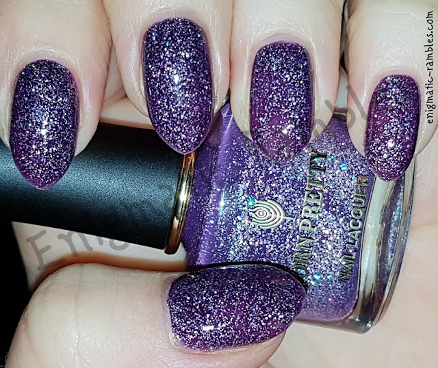 Swatch-Born-Pretty-Store-Flipped-Heart-Love-Diary-Series-Thermal-Colour-Changing-Polish