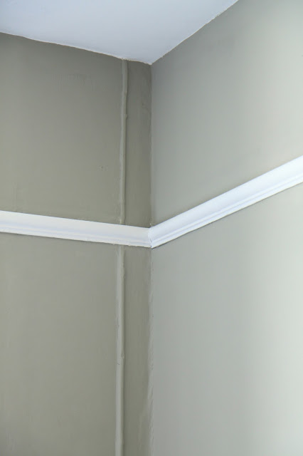 Dulux Trade White on picture rail