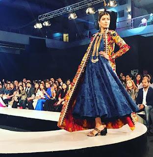 Khadi-khas-collection-at-pfdc-sunsilk-fashion-week-2017-13