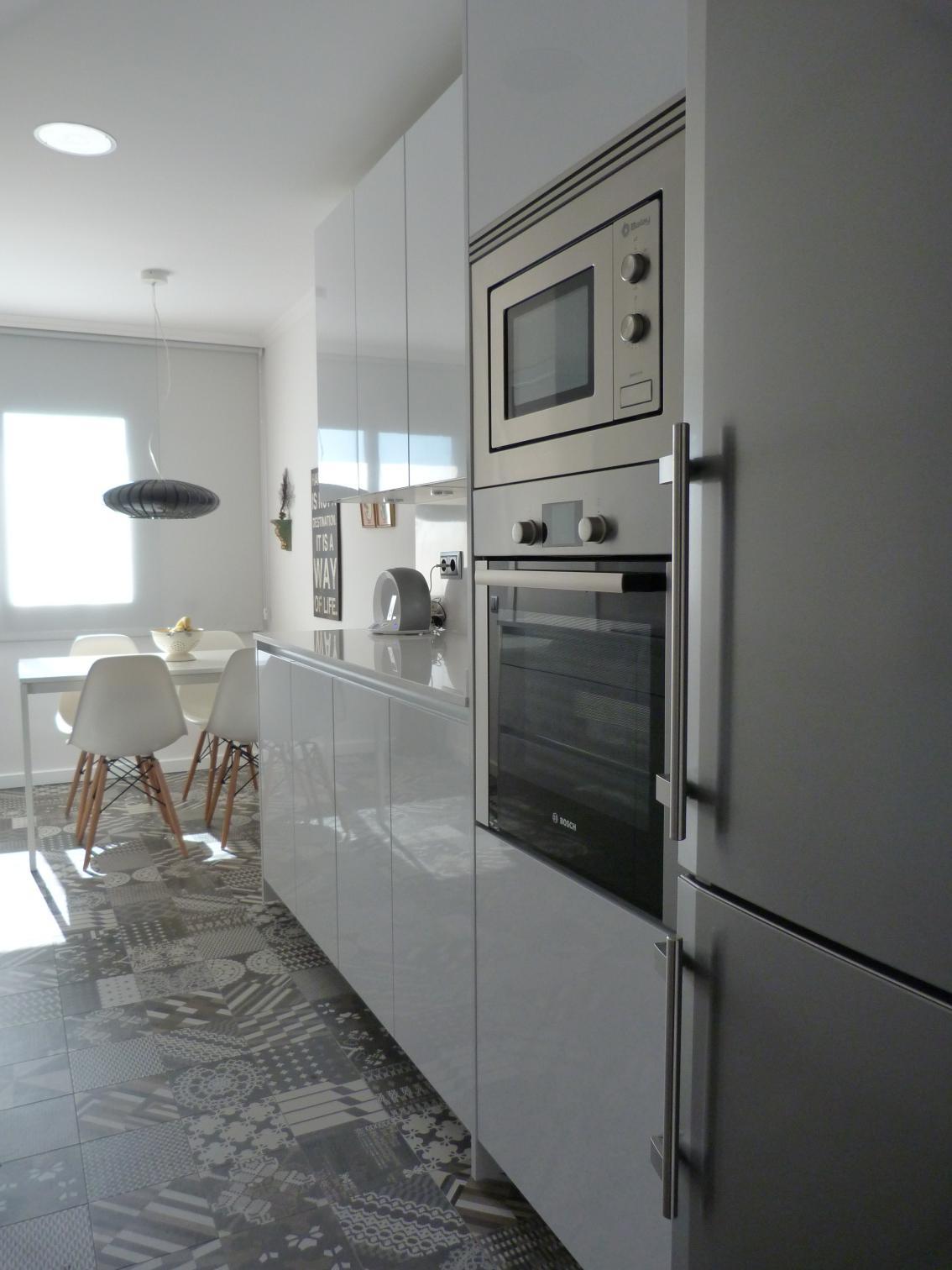 Hogar diez c mo reformar una cocina peque a con xito - Reformas cocinas pequenas ...