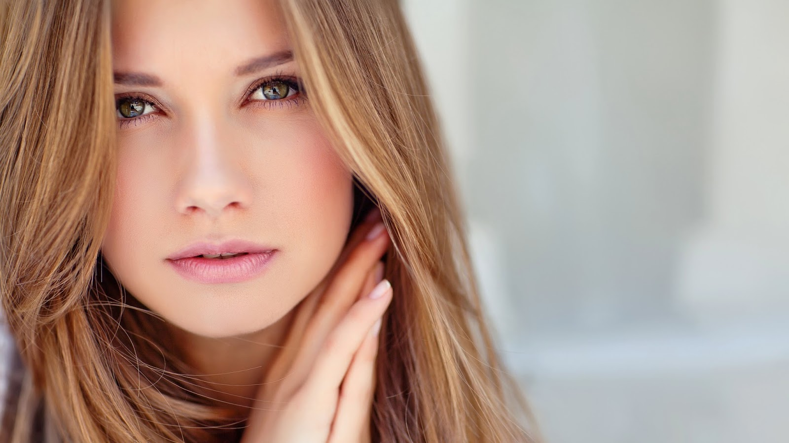 5 Cara Meluruskan Rambut Keriting Seperti Habis Rebonding