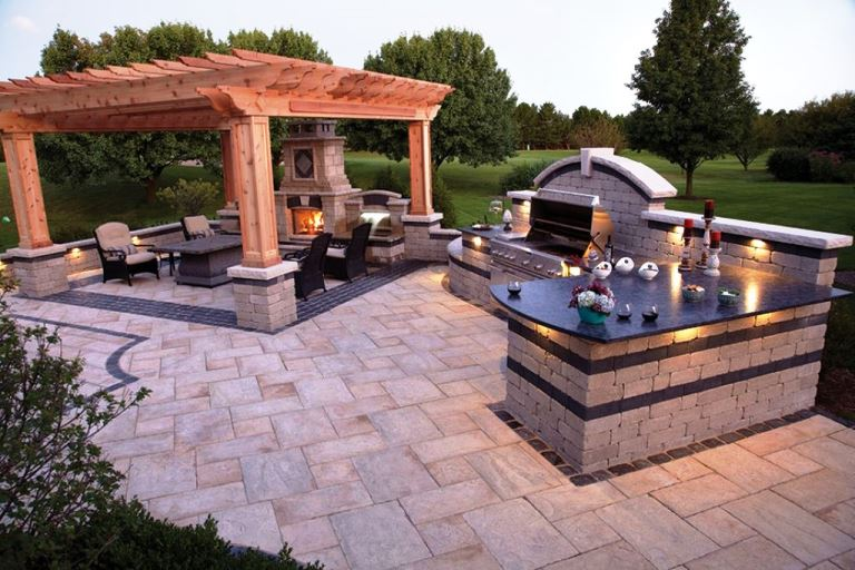 Build an outdoor kitchen in the right way and simple for Simple outdoor kitchen plans