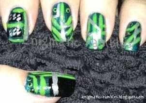 circuit-board-nails-nail-art-microchip