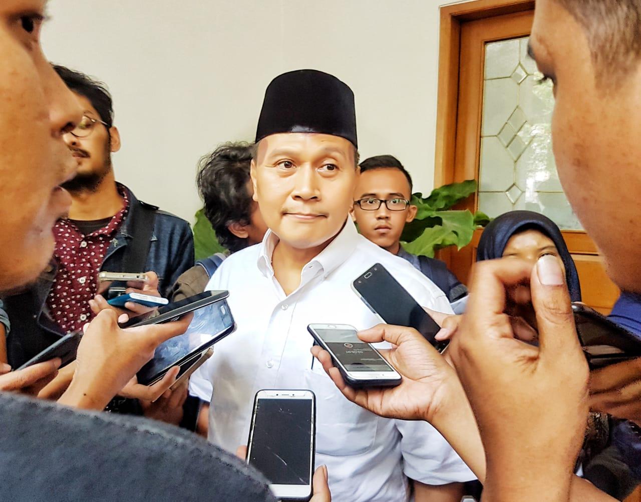 Meski Kalah di Survei, Fakta Ini Buat Prabowo-Sandi Optimis Menang