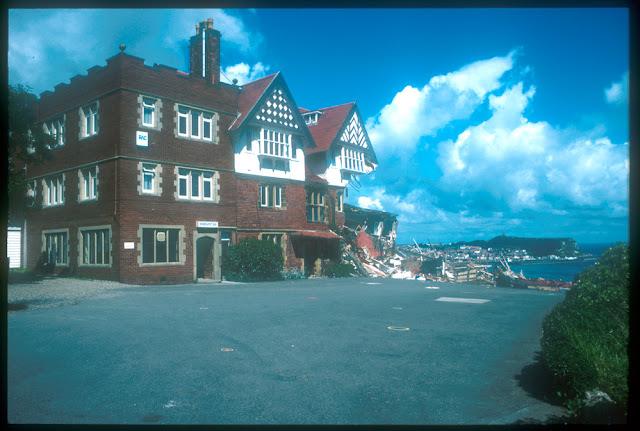 The damaged Holbeck Hall Hotel after the landslide. P509209.  BGS copyright NERC.