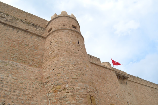 Hammamet a antiga medina e a cidade murada