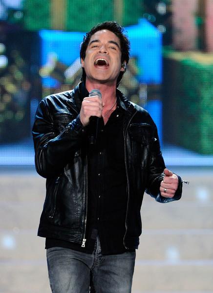Pat Monahan, vocalista da banda Train, fez uma apresentação musical. Foto: David Becker/Getty Images