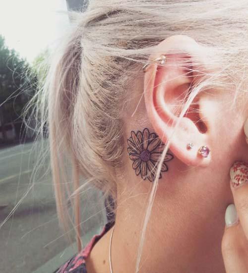 kulak arkası papatya dövmesi behind ear daisy tattoo