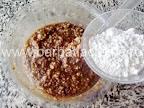Pricomigdale (fursecuri cu nuca) preparare reteta - adaugam faina