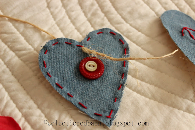 Eclectic Red Barn: Valentine hearts with chain stitch and buttons